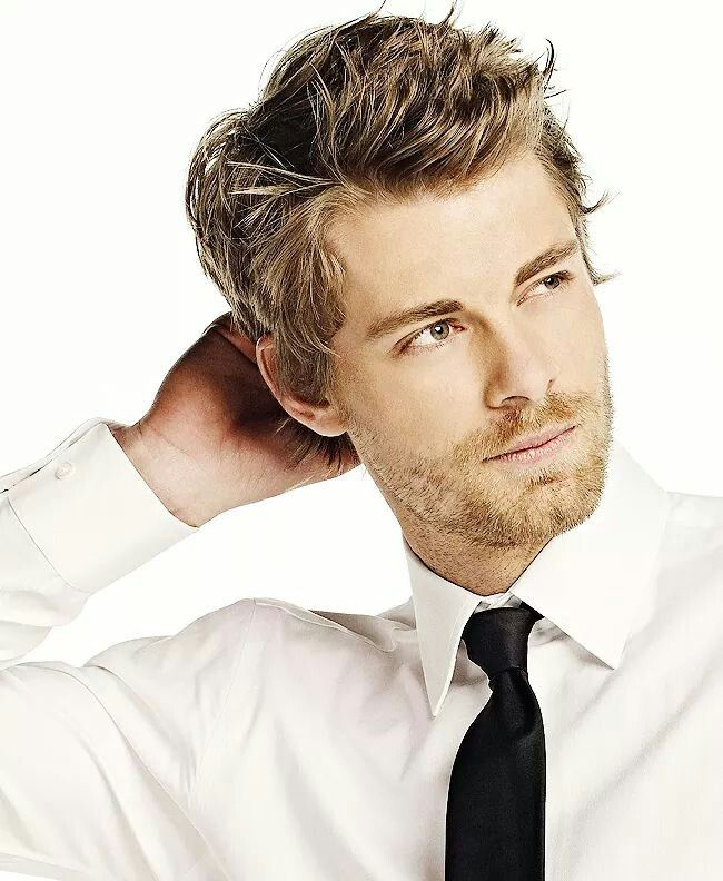 Luke Mitchell. uhhhhh he's just too gorgeous for his own good