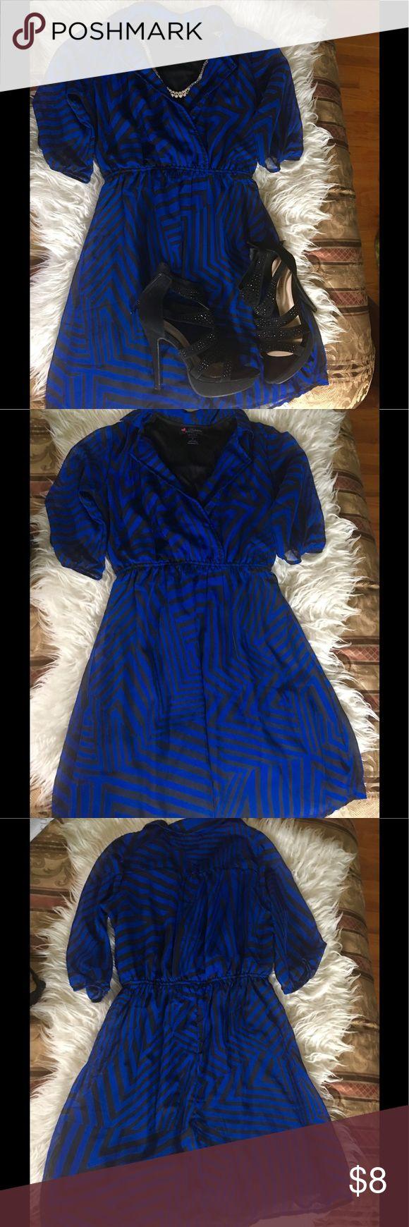 Black & Blue Chevron Dress 💙 Beautiful chevron print dress size S....Worn once Dresses Mini