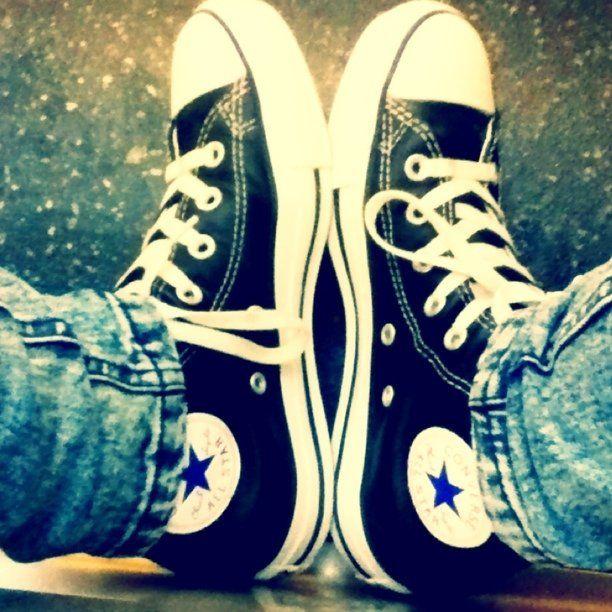 #Converse, Instagram - @zaaChuck Taylors, Converse 3, Taylors Converse, Style, Black Converse, Converse Shoes, Converse Classic, Converse Vans, All Stars