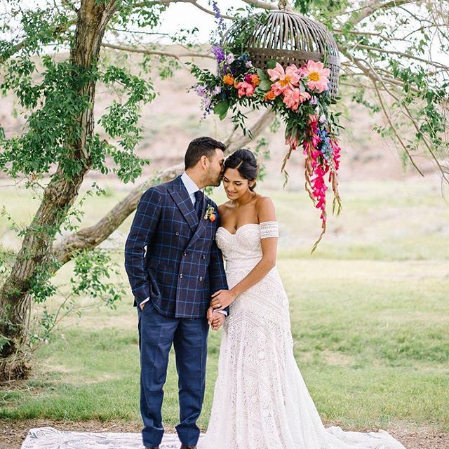 #EWGroom Still one of our favourite suit jackets! 📸 : @kismetandclover Photography @corrinawalkerphotography  Floral Design @antheiafloralyyc  Styling & Design @kismetandclover  Makeup Artistry @_katielynnkerr  Hair Styling @lokal.hair  Model @_shiaali  Dress from @thebridalboutiqueyyc by @ruedeseinebridal  Menswear @ewmenswear    #Regram via @ewmenswear