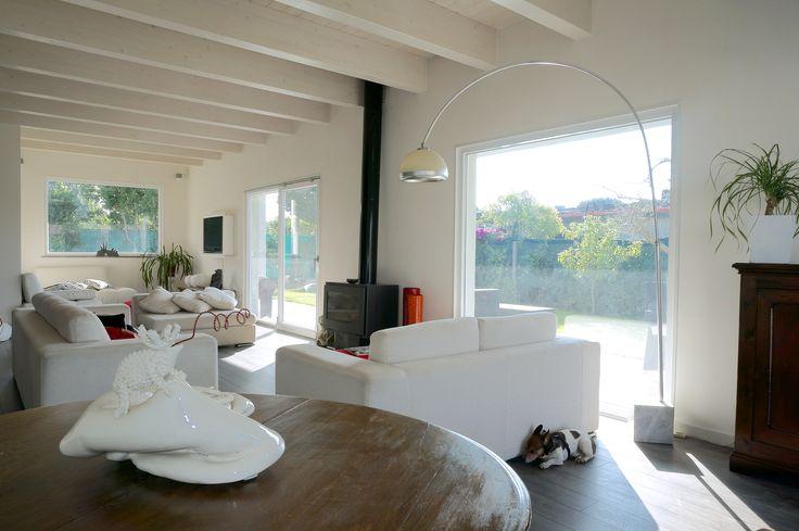 legno e materiali #naturali ed #ecologici per #arredamento #moderno e contemporaneo per una #casa in #legno a #Roma