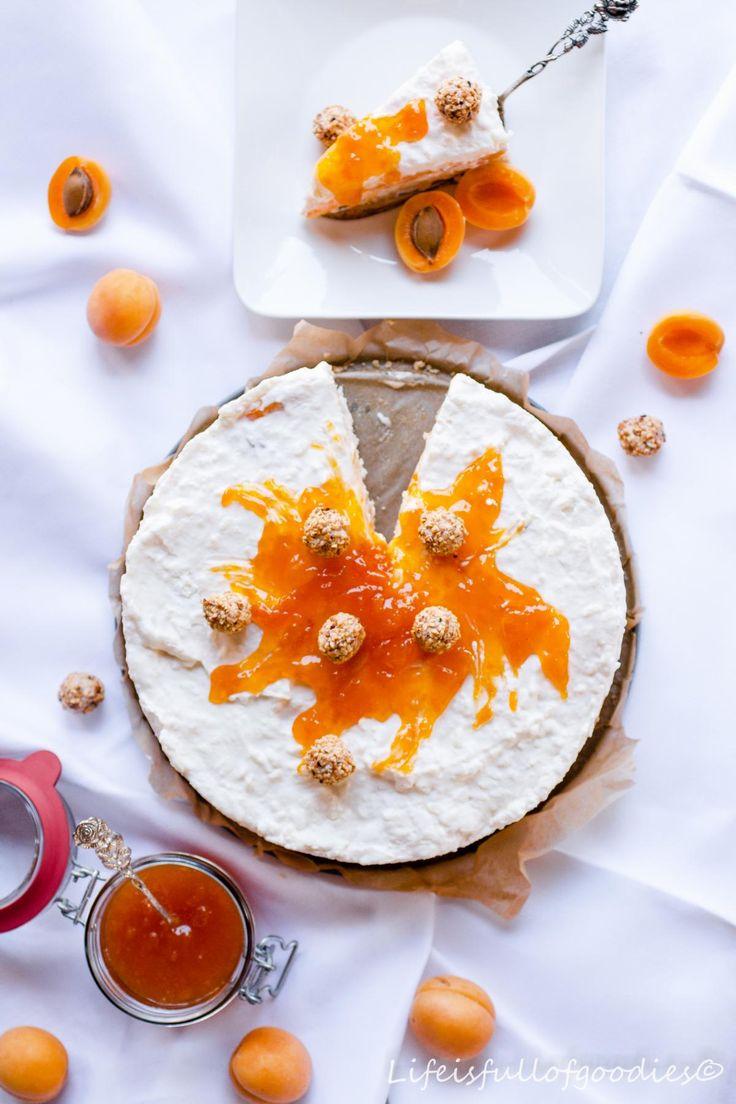 Milchreistorte mit Aprikosen für ein weißes Dinner