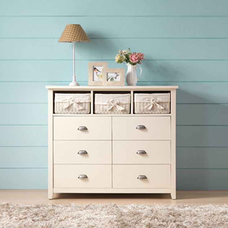 Misty 6-drawers and 3 white rattan basket