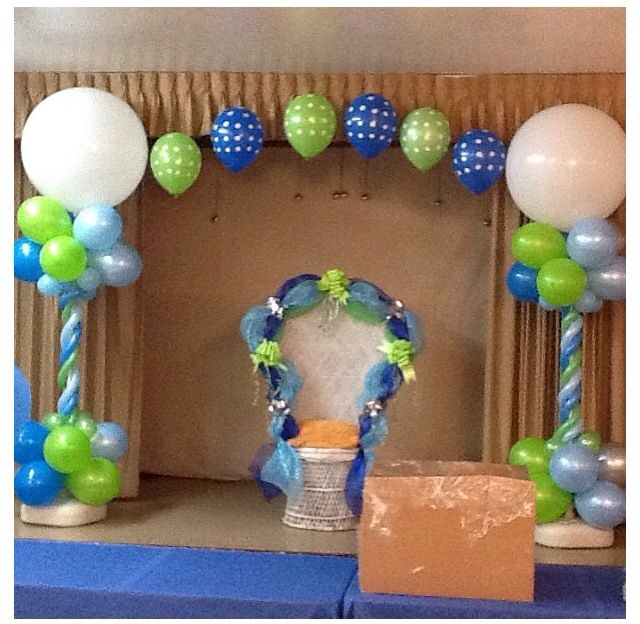 blue and brown baby shower balloon decorations