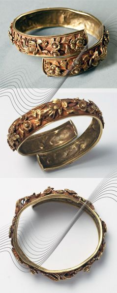 Java | Bracelet; gold, repousse. Decorated with flowers and phoenix | ca. 19th century | Est. 8'000€ ~ Jan '16 // 136054446969