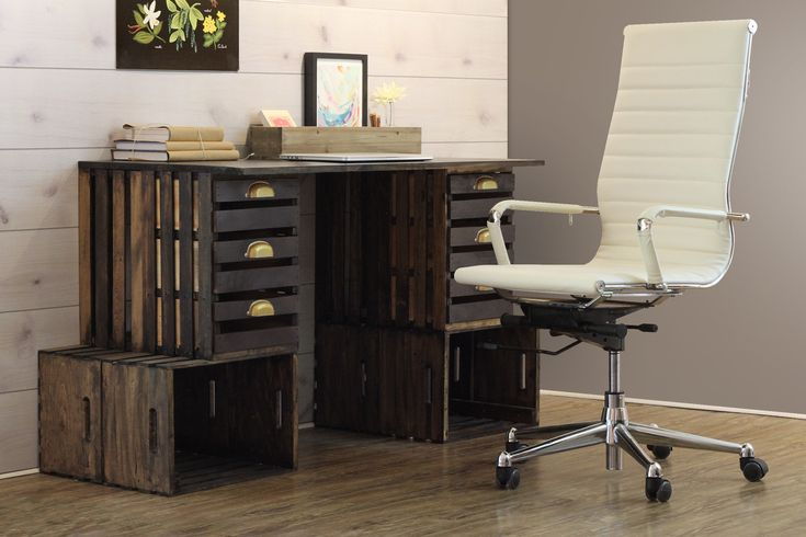 Crate Desk — Crates and Pallet