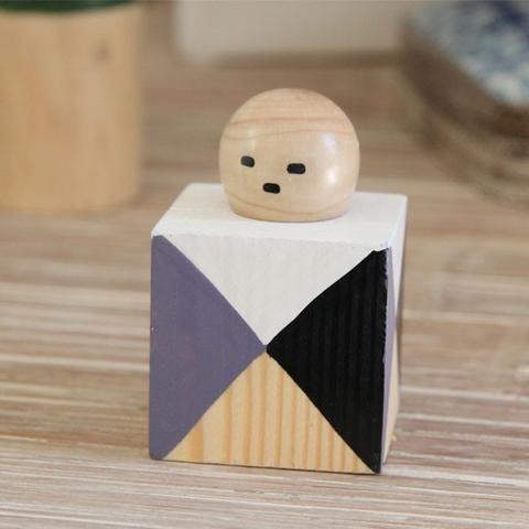 """""""Diamond Jim"""" Timber Mantel Figurine"""