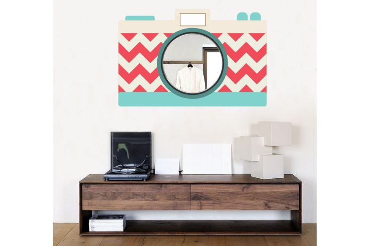 """""""Vintage camera"""" Dal catalogo online """"CASA e Locali"""" di MOUSE HOUSE Design, pareti dipinte a mano libera."""