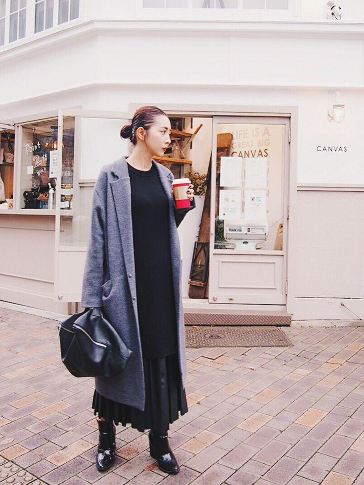 荻原桃子さんのテーラードジャケット「The Dayz tokyo ダブルフェイスニットコート」を使ったコーディネート