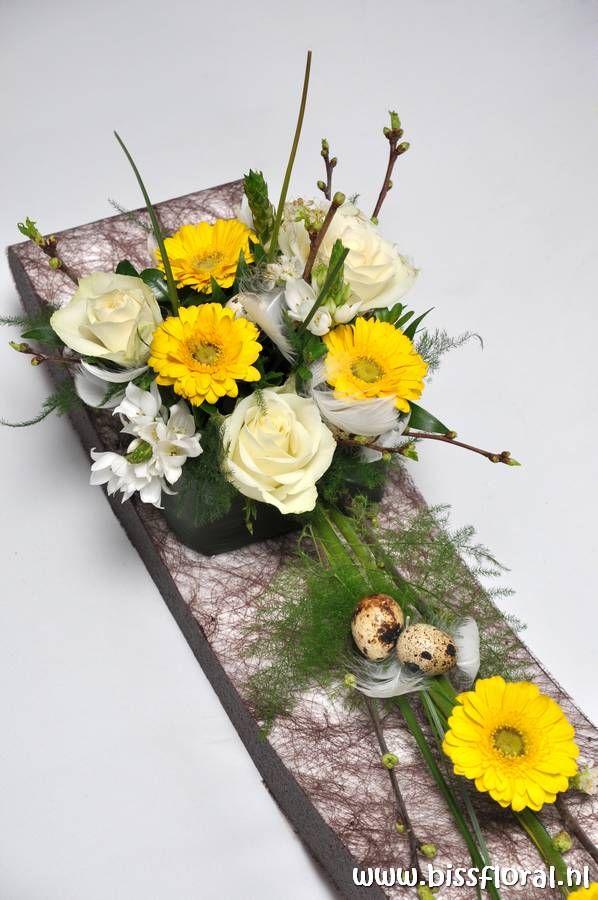 High Tea arrangement met Bloemschikken http://www.bissfloral.nl/blog/2014/01/17/high-tea-arrangement-met-bloemschikken/