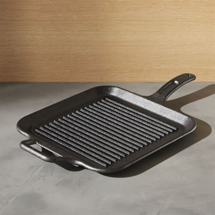 """Ridged cast iron grill pan perfectly """"grills"""" foods indoors. Perfect for burgers, bacon, chicken and grilled sandwiches.See it in action to learn how to cook with and care for the classic cookware. Learn more. View all Lodge products"""