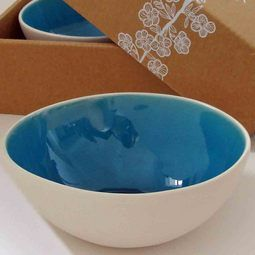 NZ Gifts - Gorgeous Turquoise Arty Bowls. Stunning pure white unglazed exterior and rich turquoise interior. http://www.newzealandshowcase.com/productdetails.cfm/productid/672
