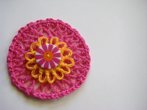 Wanna try this one.: Crochet Flowers, Hairpin Rosette, Cases, Crocheted Flowers, Sew Ritzy Titzy, Crochet Rosette Tutorial, Hairpin Crochet, Crochet Hairpin, Crochet Patterns