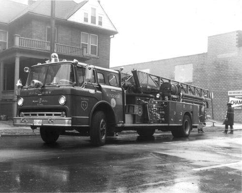 Chubby hook & ladder fire truck