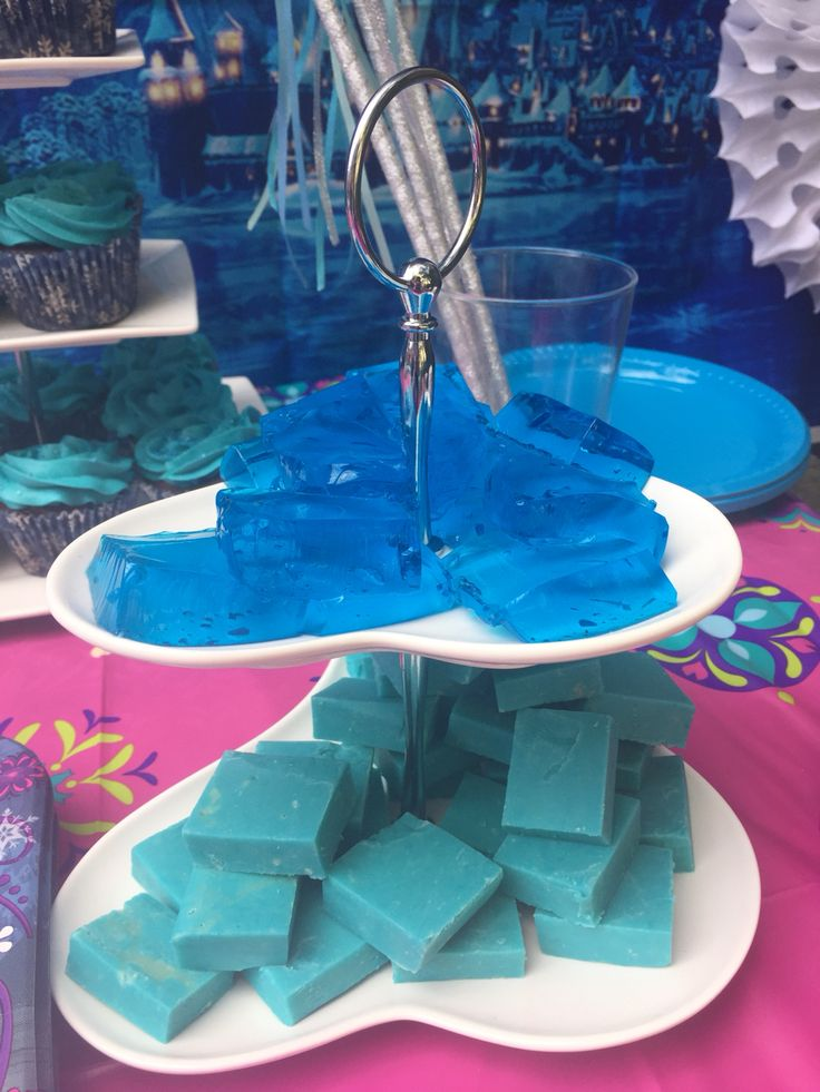 Frozen Party - Kristov's ice (blue fudge and blue jelly)