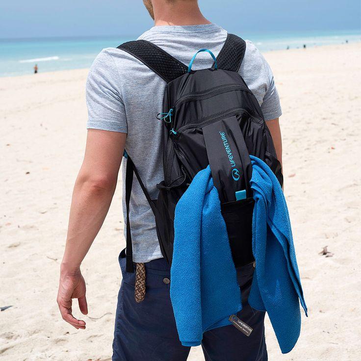 いいね!19件、コメント2件 ― Lifeventureさん(@lifeventureuk)のInstagramアカウント: 「And the 25L packable backpack, swipe to see how it folds away into its own pocket #packable…」