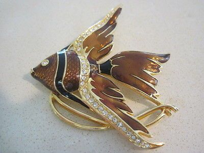 Swarovski-Swan-Signed-Brown-Guilloche-039-amp-Black-Enameled-Fish-Brooch-Pin