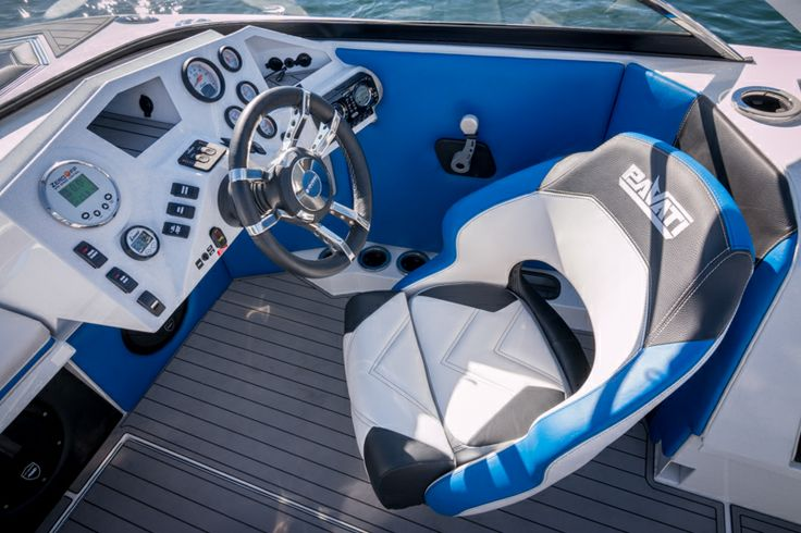 Pavati Wakeboarding Boats