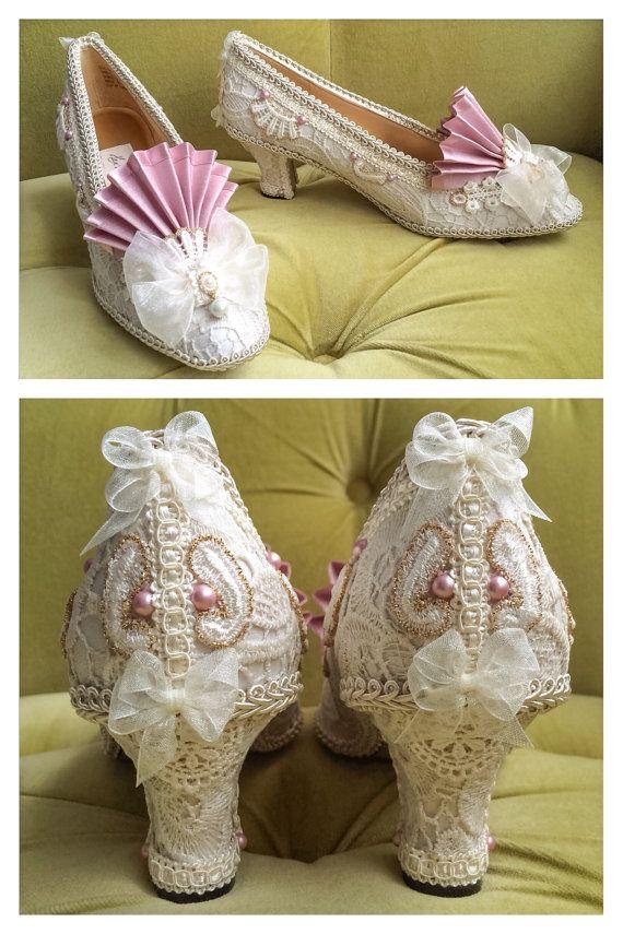 Marie Antoinette kostuum schoenen hakken ivoor door HexHeartHollow