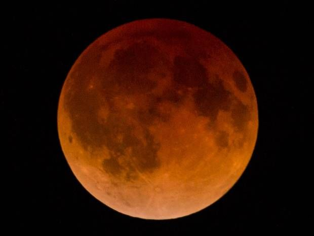 Lunar eclipse 2014: Images of last night's spectacular 'blood moon' - Science - News - The Independent