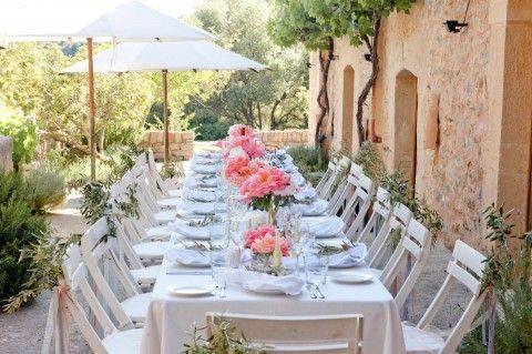 Dana & Christoph: Mit Freunden und der Liebe auf Mallorca, Mallorca Hochzeit, Mallorca Wedding, Wedding Table, www.taliphotography.com
