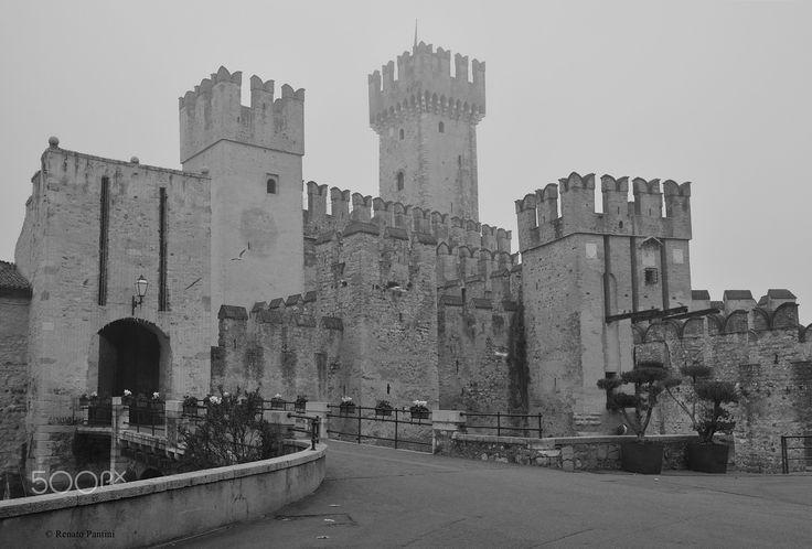 Castello Scaligero, Sirmione. - Taken in Sirmione, (Lombardia, Italy). (December 2016)