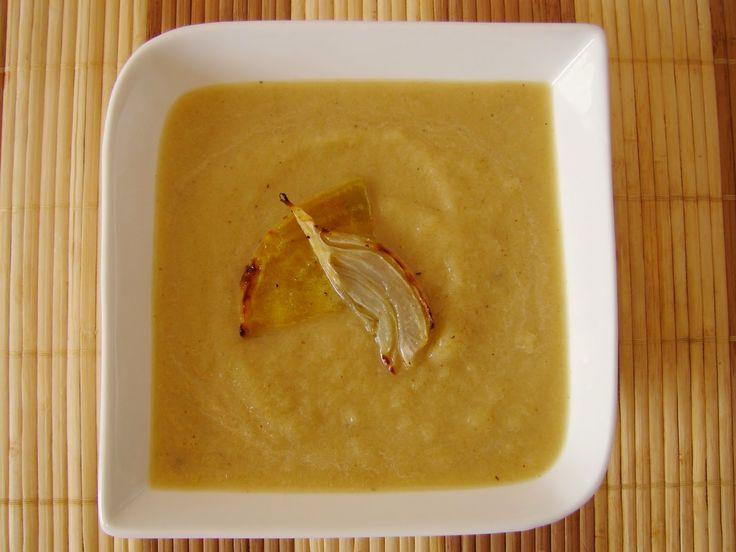 Sopa de beterraba amarela assada com funcho