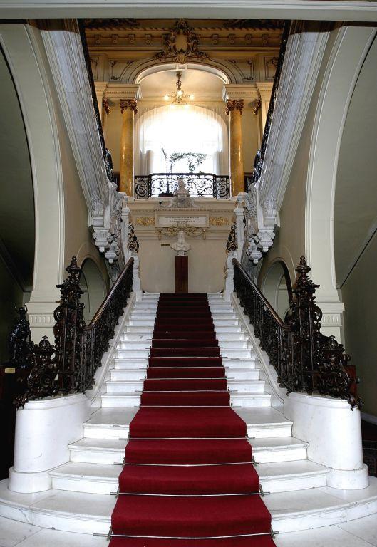 Muzeul de arta Craiova Romania Art museum