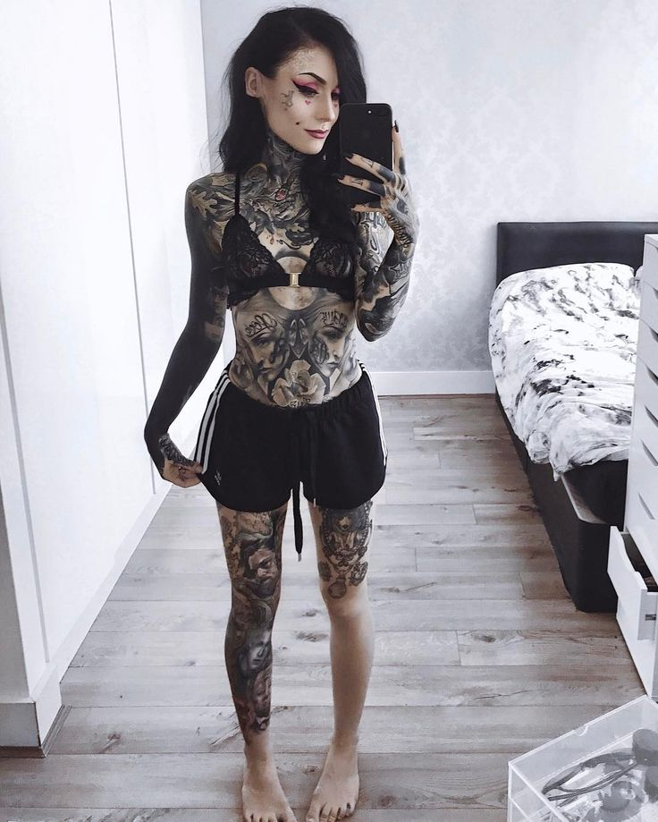 """54.7 mil curtidas, 138 comentários - Monami Frost (@monamifrost) no Instagram: """" summer is just around the corner. Excited to drop the layers haha ."""""""
