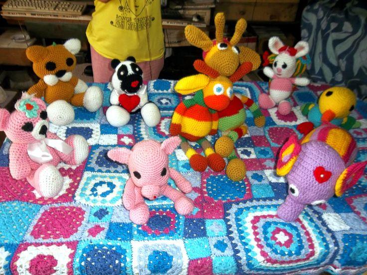 """tejidos artesanales en crochet: nuestra familia de muñecos """"amigurumis"""" tejidos en crochet"""