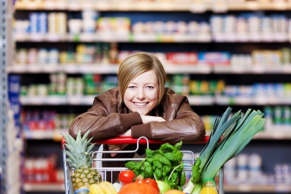 Eat Well for Less – How To Stretch Your Grocery Budget Further! #savemoney #grocerybudget #eatwellforless www.behealthy4life.com.au