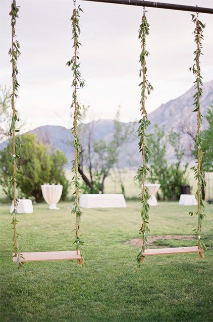 garden country wedding swing - great place to take photos of the couple!