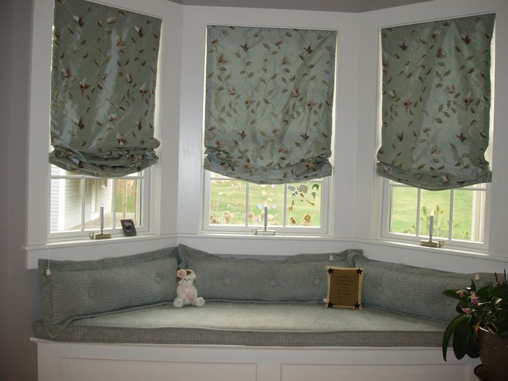 Best WINDOW SEAT Images On Pinterest Window Seats Basket And - Beautiful windows and love the window seat with blue white cushions