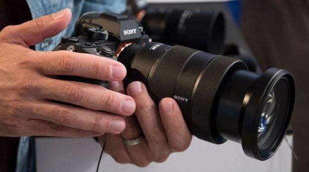 Sony a lansat camera foto revolutionara α9! Ce poate sa faca si cat costa