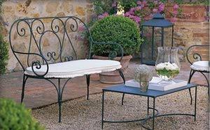 Muebles de jardín románticos,y ligeros, de forja.