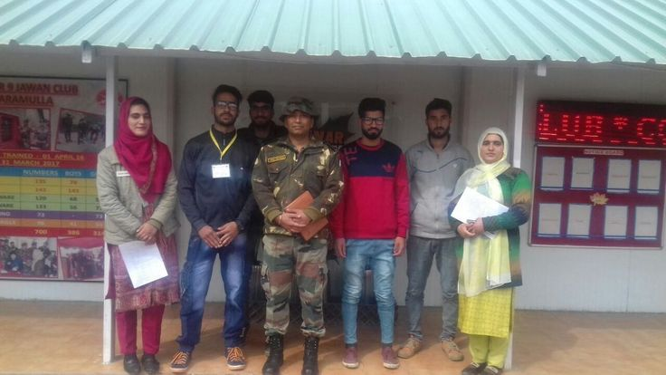 Providing fruitful engagement & job avenues to youth of #Kashmir  has been aim of #IndianArmy. Dagger Division Chinar 9Jawan Club Baramulla works relentlessly to achieve this aim. Four students from  Chinar 9Jawan Club joined Caravan Restaurant at #Thane #Mumbai #AllTheBestpic.twitter.com/I9U8TKr9J5 #IndianArmy #Army