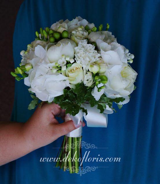 Dekoracje i bukiety ślubne - opolskie: Biały bukiet ślubny piwonie, frezje, róże, hortensje, goździki i buwardia Nysa opolskie