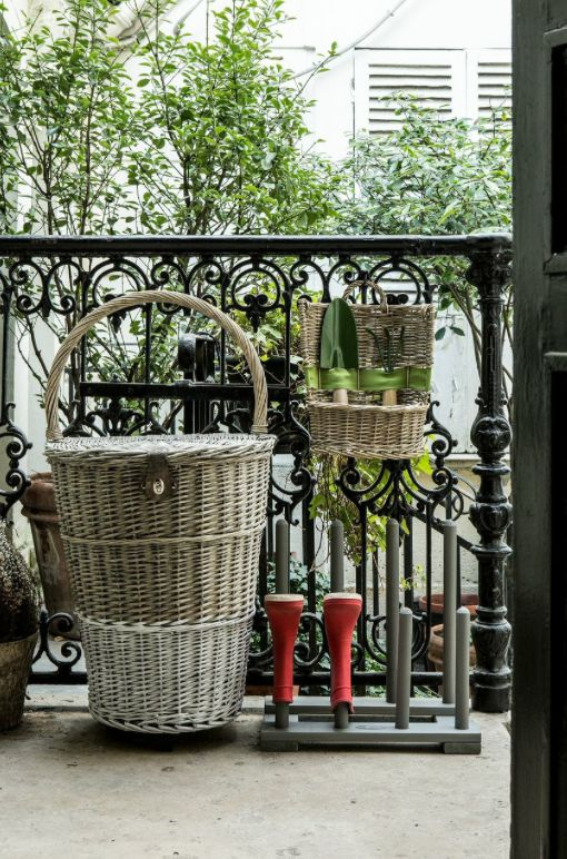 152 best images about on range tout on pinterest for Etagere plantes terrasse