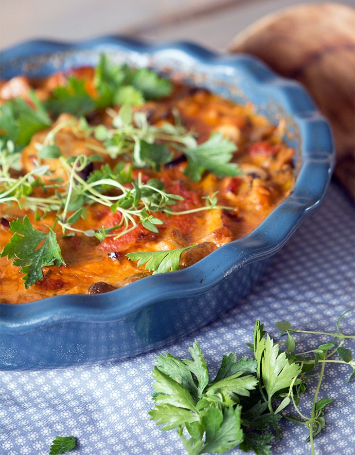 Den dejligste opskrift på koteletter i fad - en skøn ret som fluks stryger ind på listen over familiefavoritter - få opskriften her