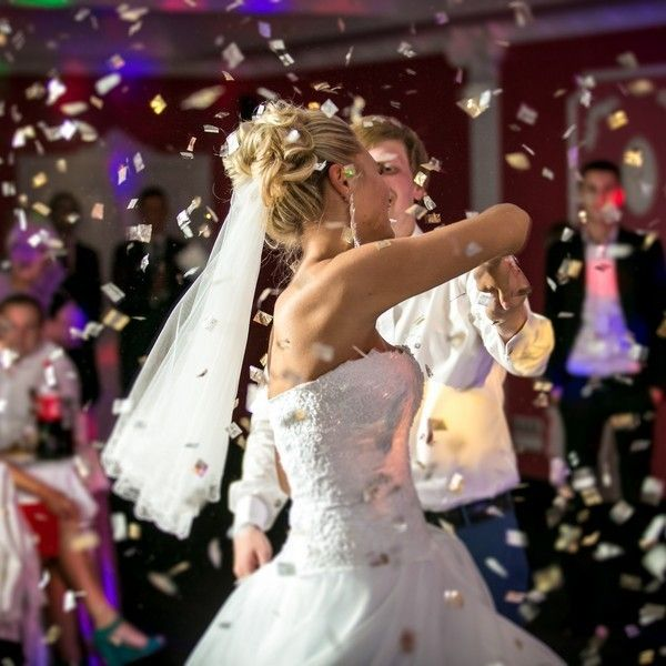 Adding Confetti To Your Wedding Has Never Been Easier Get Cannon Kits