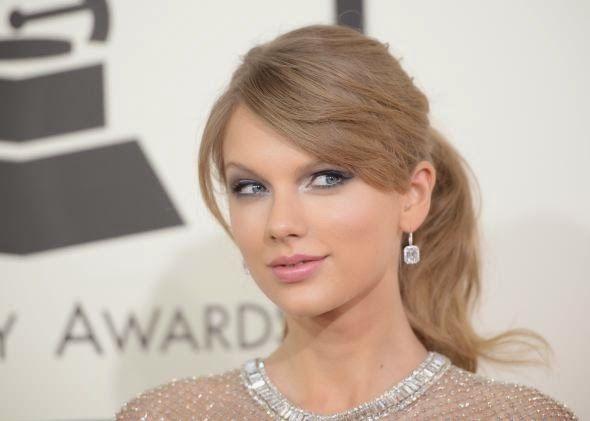 Joury Blog: Taylor Swift a star of Victoria's Secret's Fashion...