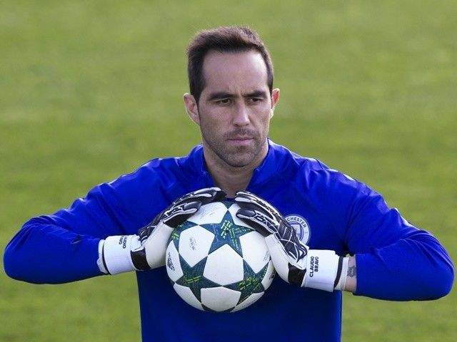 Claudio Bravo: 'Manchester City feel bad ahead of international break' #Manchester_City #Football