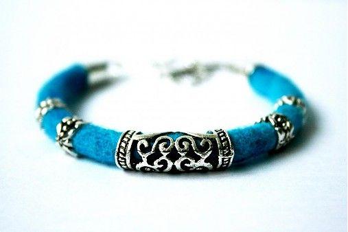 lurga / Gaya - felt bracelet
