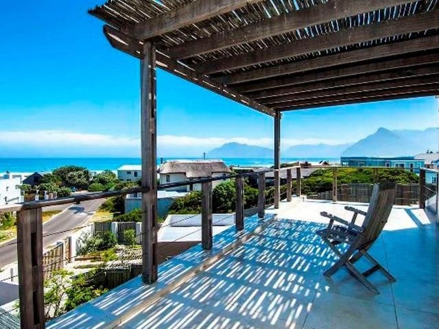 3 bedroom House for sale in Kommetjie for R 3995000 with web reference 101690697 - Jawitz Scarborough