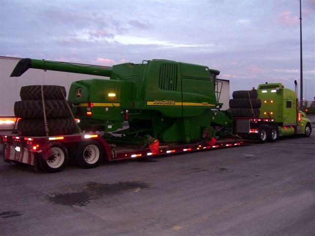 Camion soir - chargement tracteur (petit)
