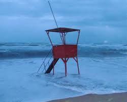 els griells estartit - love it when the sea is rough