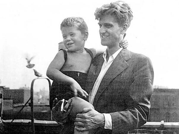 A 3-Year-Old Robert De Niro With His 24-Year-Old Father Robert De Niro Sr. in 1946