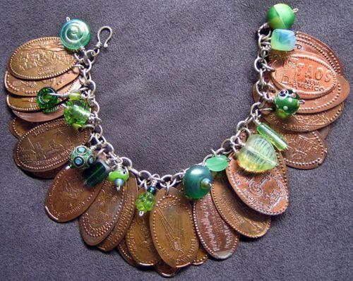 Pressed penny bracelet, very nice.: Crafts Ideas, Press Pennies, Pressed Pennies, Collection Press, Diy Jewelry, Pennies Bracelets, Crafty Thoughts, Charms Bracelets, Jewelry Ideas