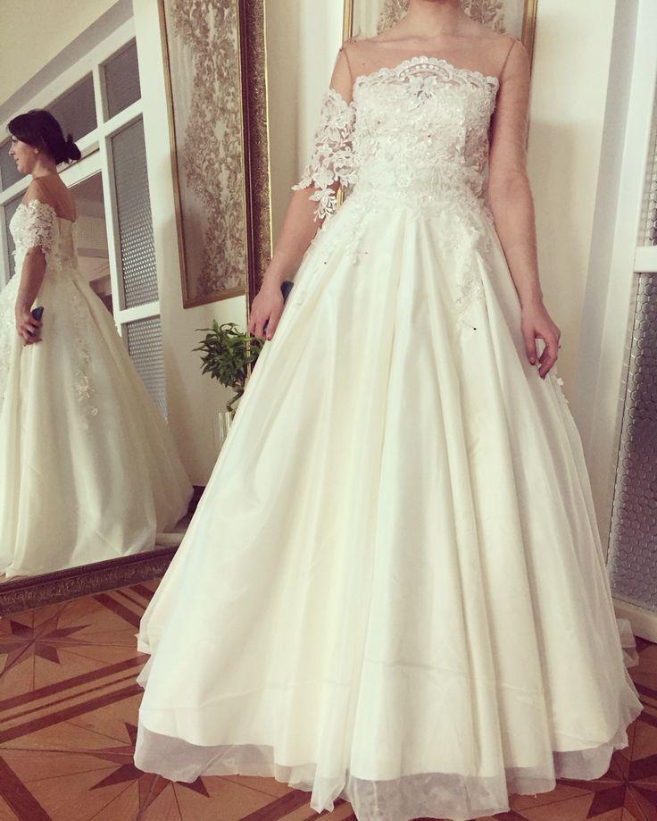 Wedding season will start soon! Fabulous bride!