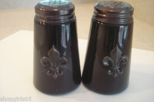 New Beautiful Fleur De Lis Salt And Pepper Shakers Would